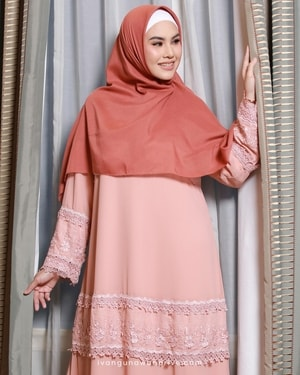 IGP Pinky Lace Dress
