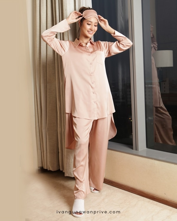Secret Love in Rose Pajama Sets